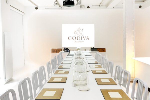 Long table - Godiva - white and gold